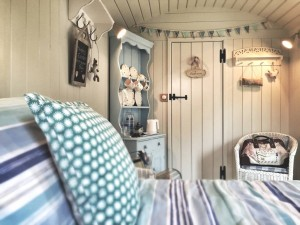 Dolly Blue glamping Shepherd's Hut Quality Unearthed